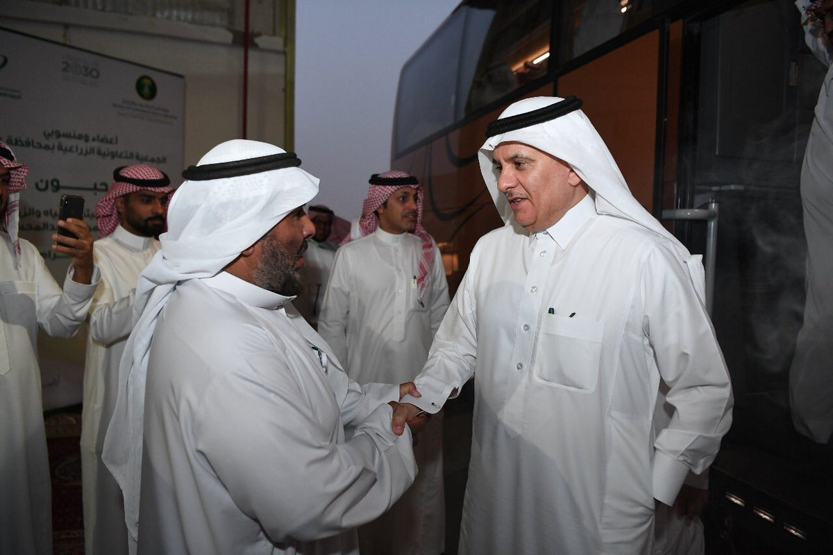 معالي وزير الزراعة يزور الجمعية التعاونية الزراعية بعنيزة