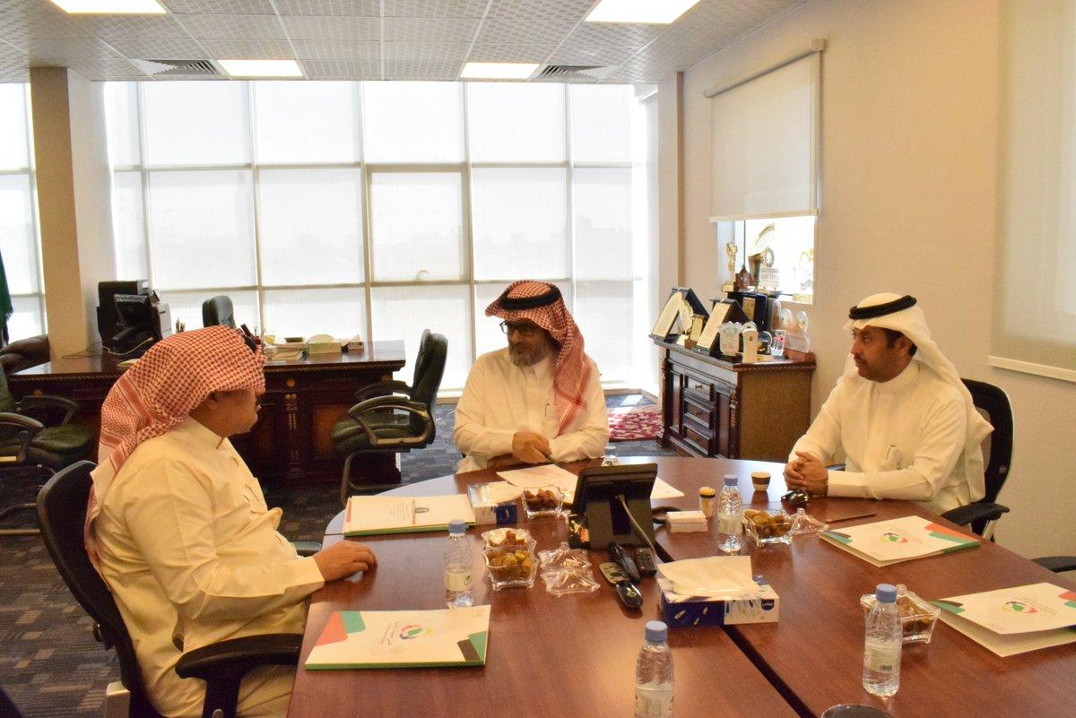 الرئيس ونائبه يلتقون بمدير إدارة الجمعيات التعاونية بوزارة (الزراعة)