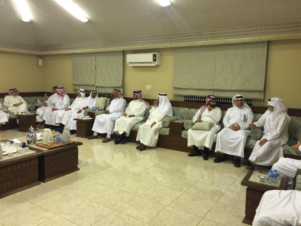 رئيس المجلس يلتقي بمنسوبي الجمعيات التعاونية بالمنطقة الشرقية