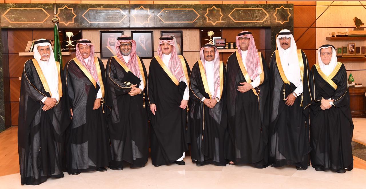 الأمير سعود بن نايف يستقبل رئيس مجلس إدارة الجمعيات التعاونية وممثلي الجمعيات التعاونية بالمنطقة