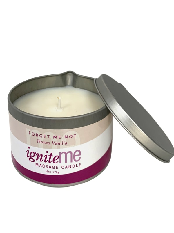 Ignite Me Massage Candle Forget Me Not (Honey Vanilla) Image 2