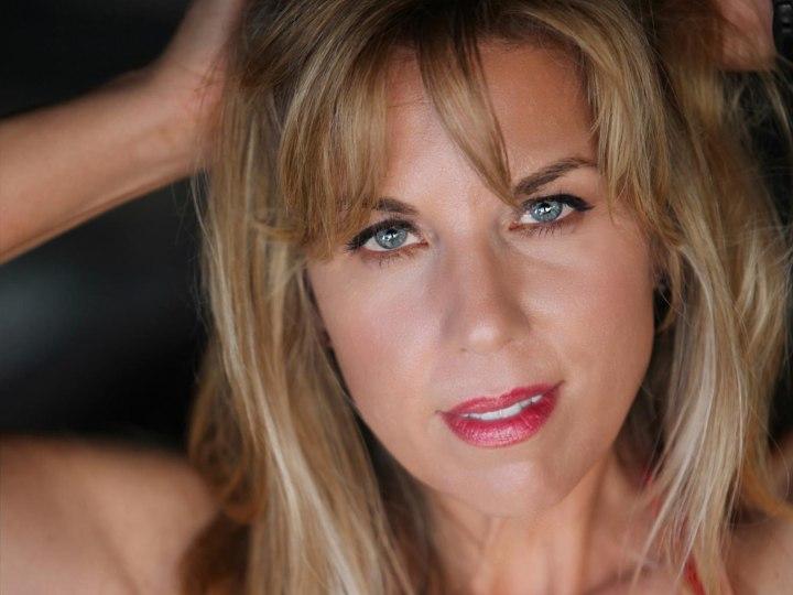Actor Gina Ann
