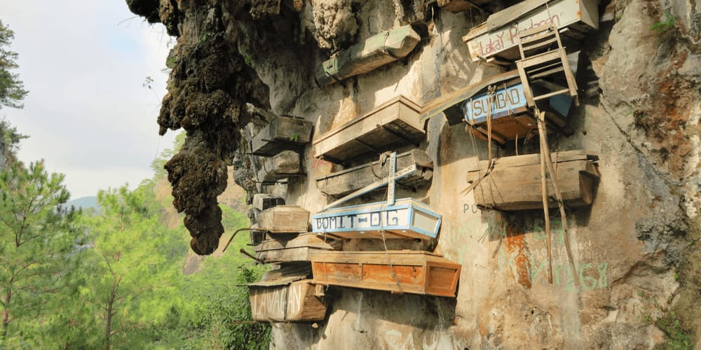 Cemeteries in Sagada, Philippines are located on the cliffs.