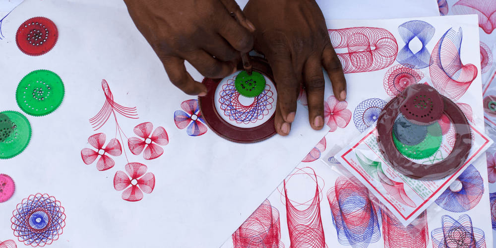 4 Cool Ideas of How You Can Use Spirograph Patterns