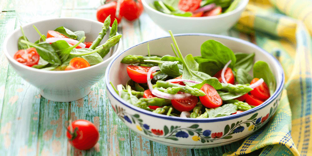 Spring Salad with Asparagus, Spinach and Basil Vinaigrette