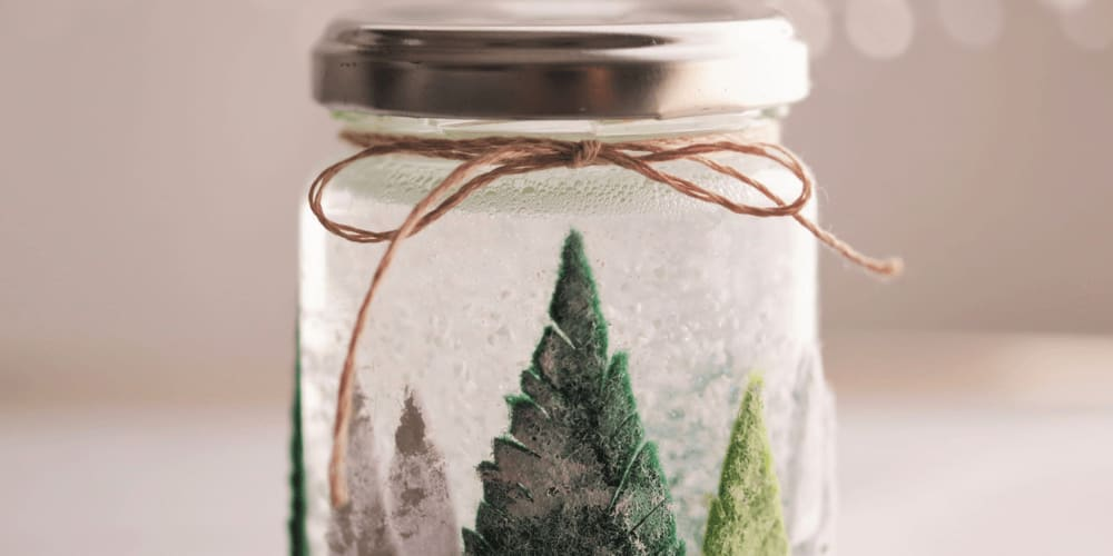 Jars and empty bottles can be a good DIY Christmas decorations