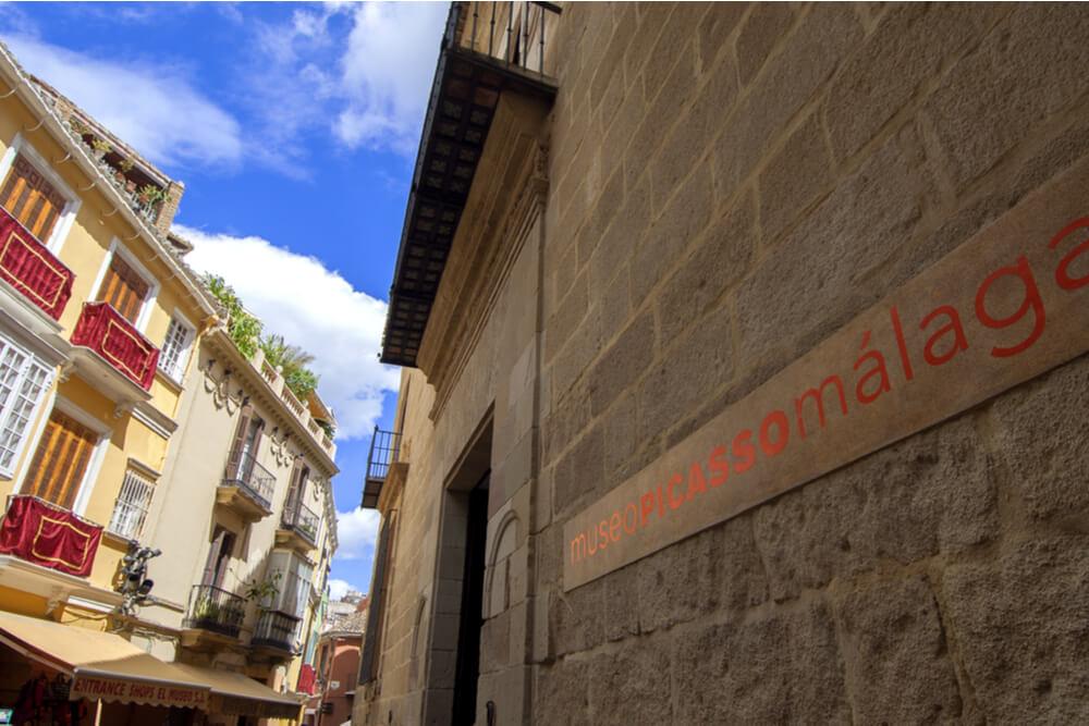 Entrance to Museo Picasso Málaga.
