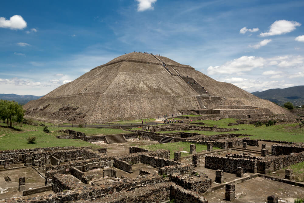 The Pyramid of the Sun is the largest and the tallest in Teotihuacan, and also the oldest of all the Mayan constructions
