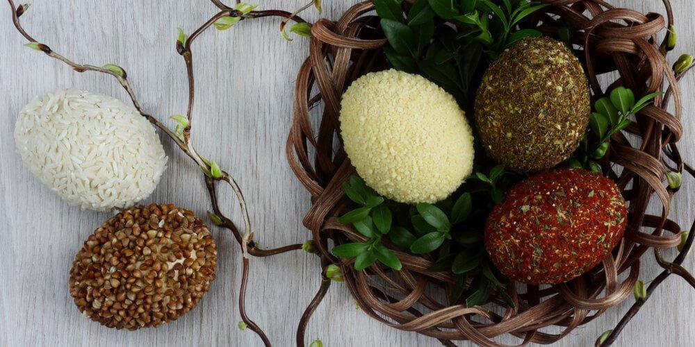 Eggs in grain decoration