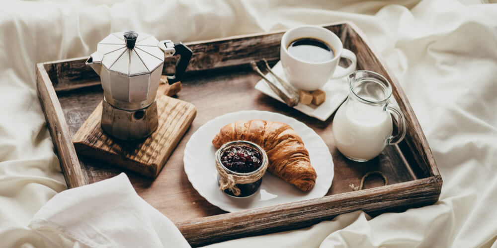 Cancer-Breakfast in bed