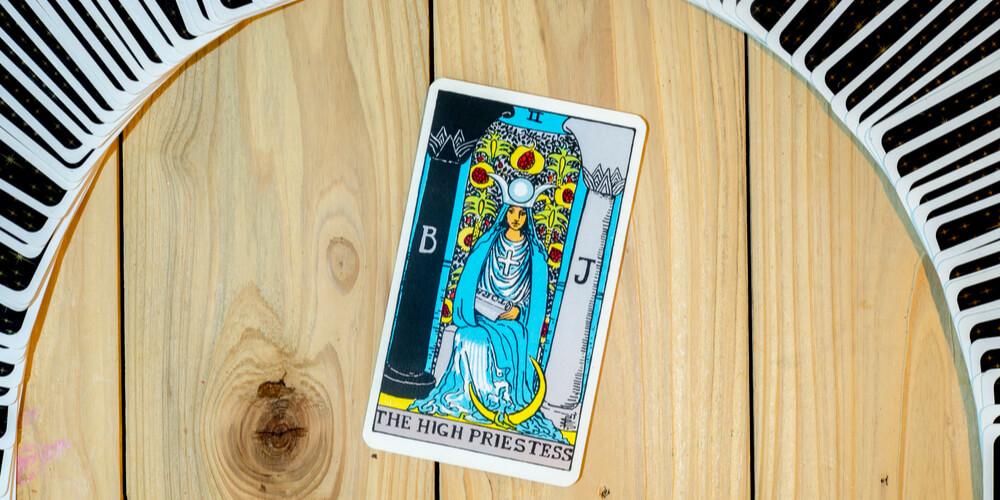 high-priestess-card