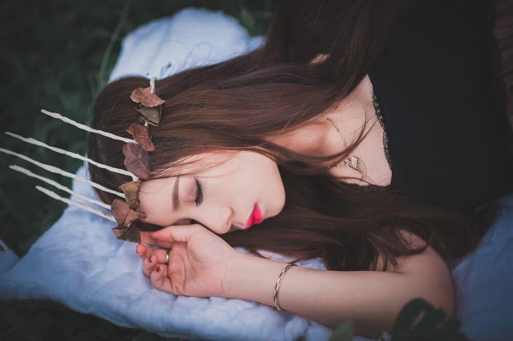 Zodiac Sleep Style for Aries
