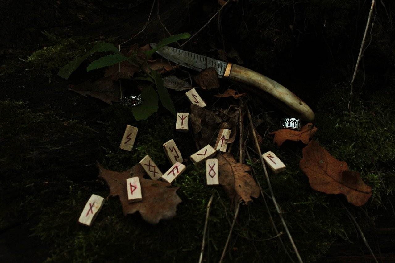 Rustic Runes are a powerful divination tool