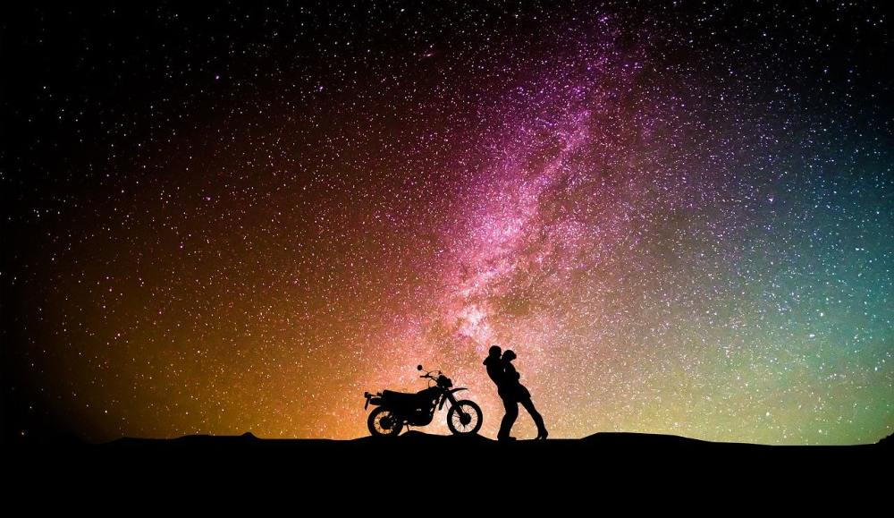 The bond of Gemini and Aries relies upon going crazy adventures together, appreciating the beauty of the world as one.