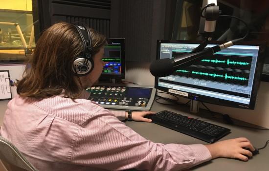 Vision Australia radio volunteer