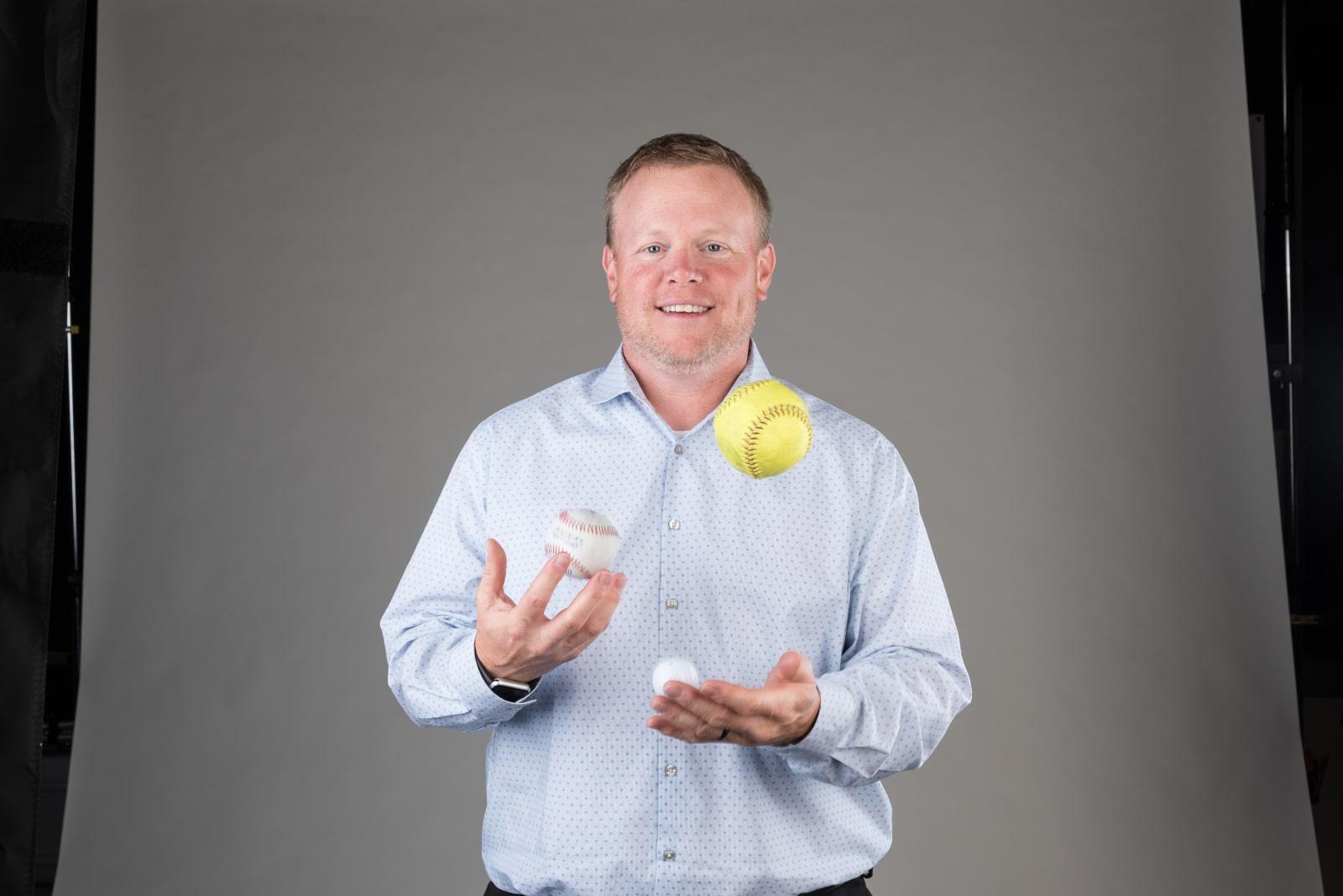 Andy VanRemortel Juggling