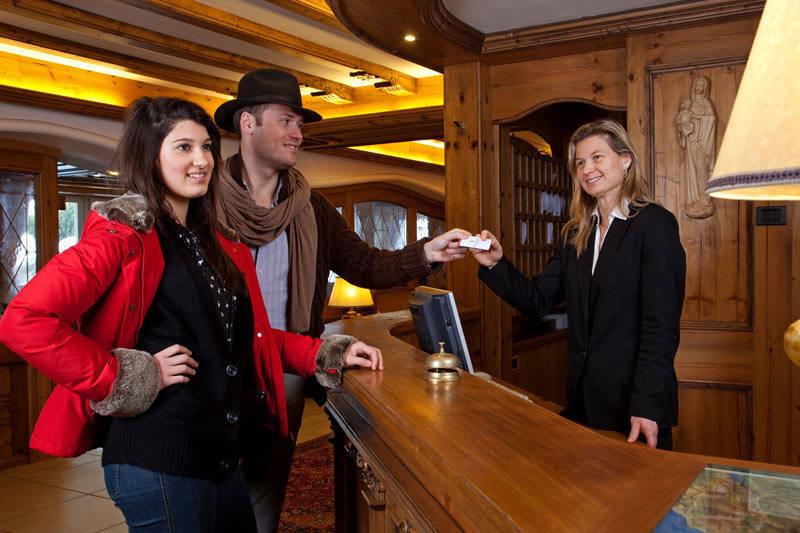 Hotel Medil Professionalita' e Gentilezza