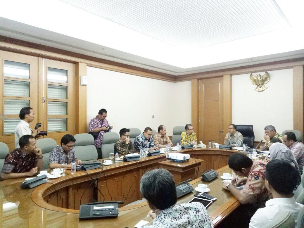 Diskusi dengan Gubernur DKI Jakarta