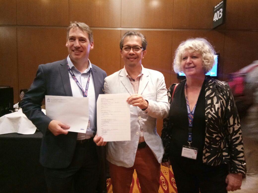 Penandatanganan Kerjasama dengan EAROPH Chapter Australia