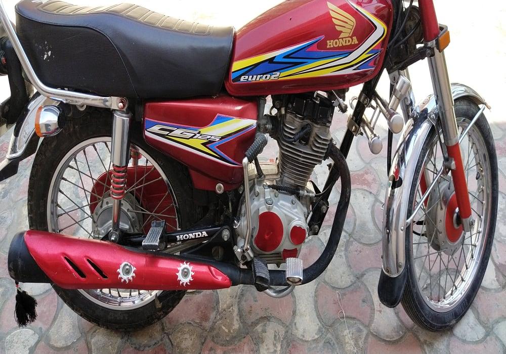 Honda CG 125 red color