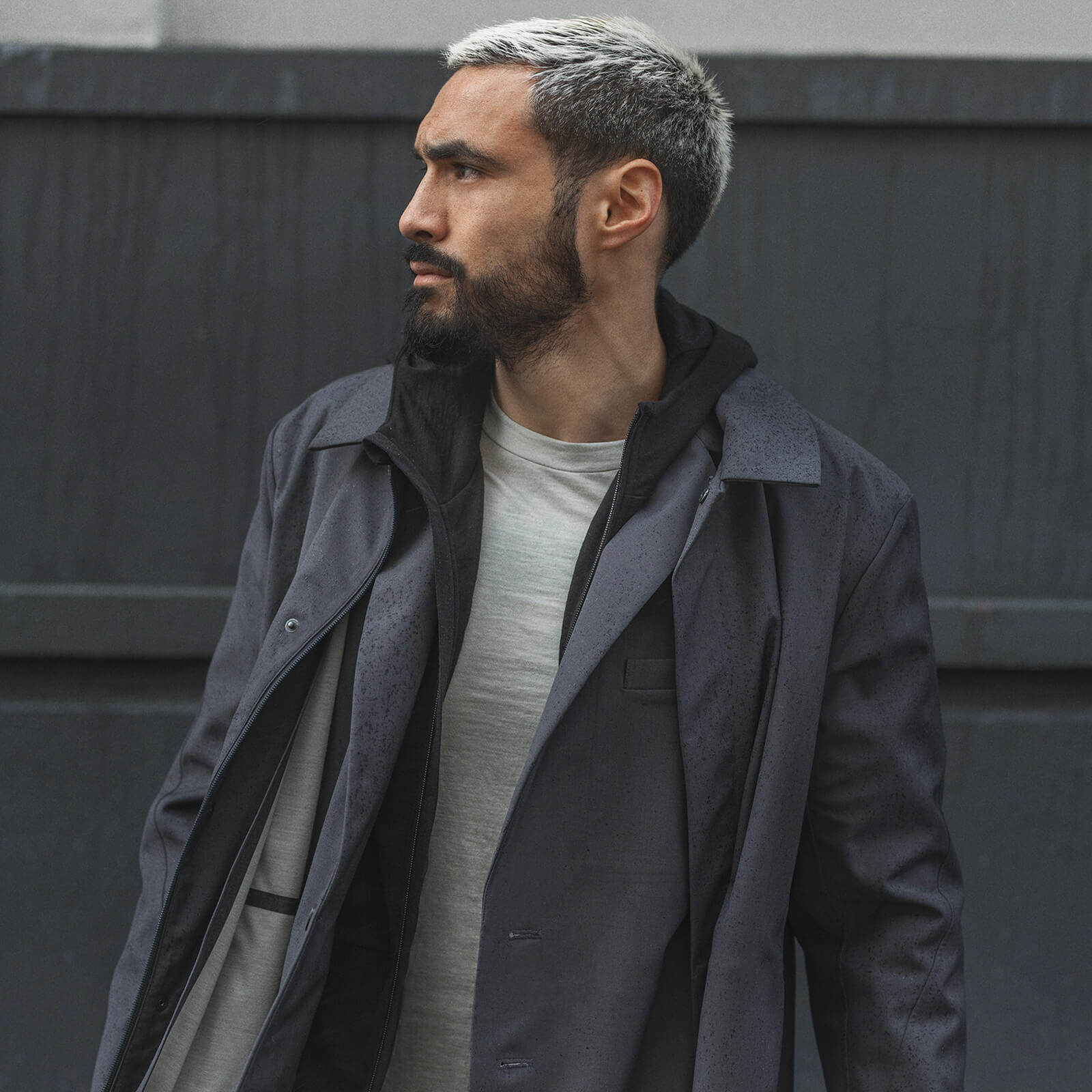 Man wearing icebreaker jacket from City collection
