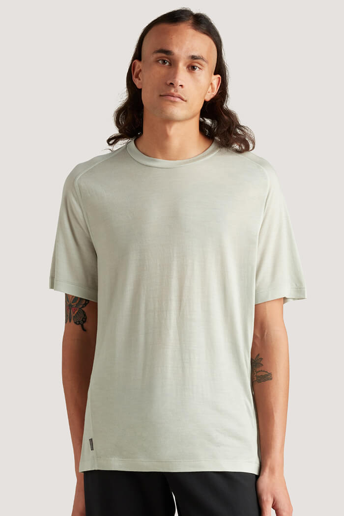 icebreaker men's merino travel T-shirt
