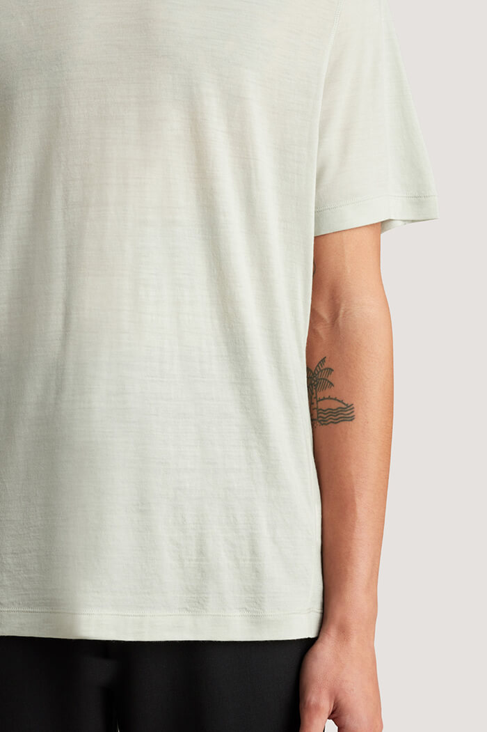 icebreaker men's merino travel T-shirt