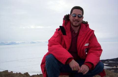 news_feat_puerto-rican-educator-armando-caussade-to-join-icecube-at-south-pole