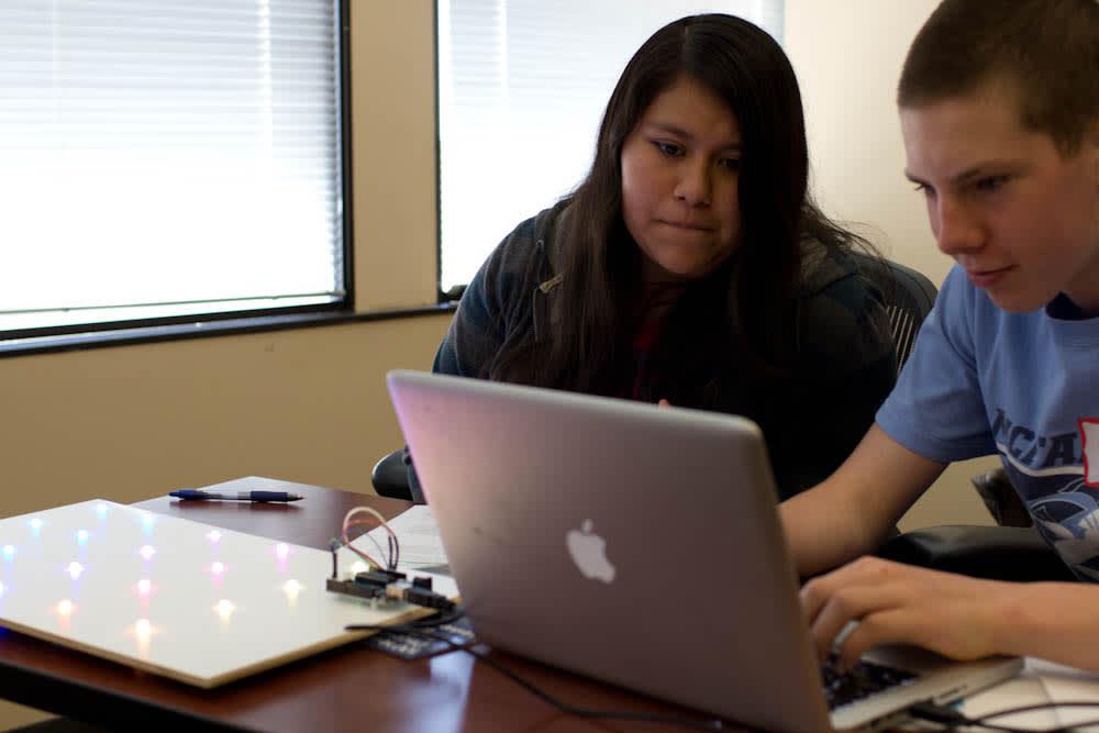 news_feat_icecube-high-school-internship-program-launches-in-madison-wi