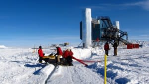 news_feat_uw-madison-to-unlock-space-secrets-in-antarctica-with-icecube