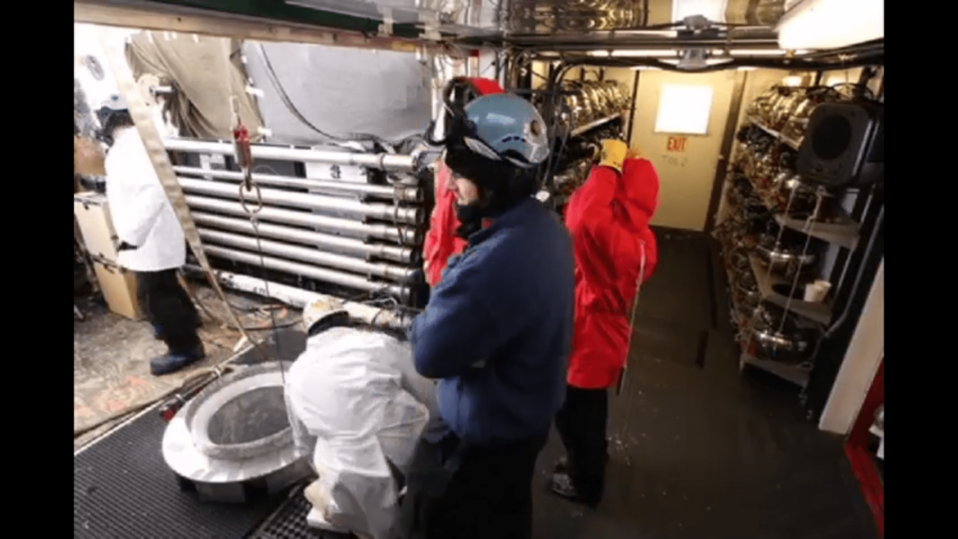 Video: Deployment of the final IceCube string