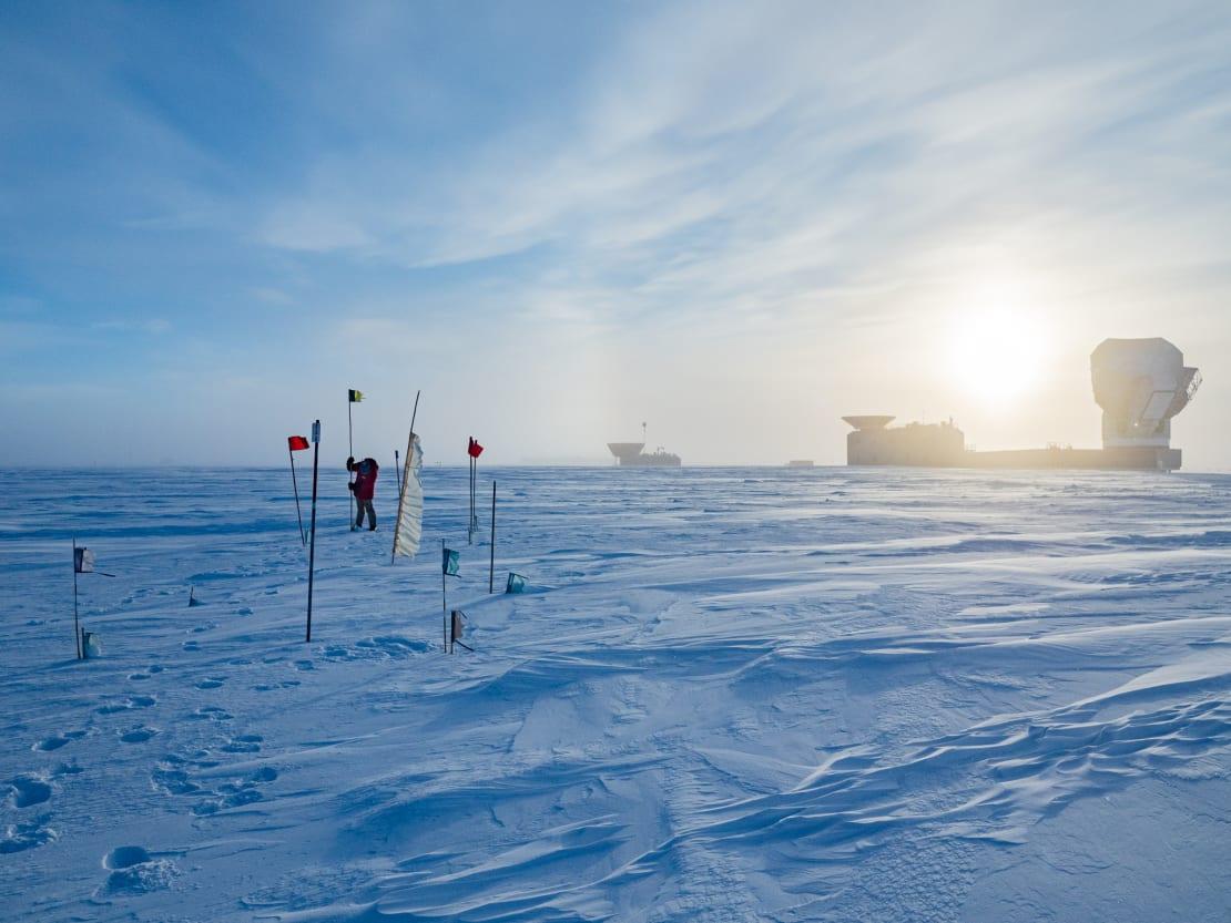 Sun low over the South Pole Telescope.