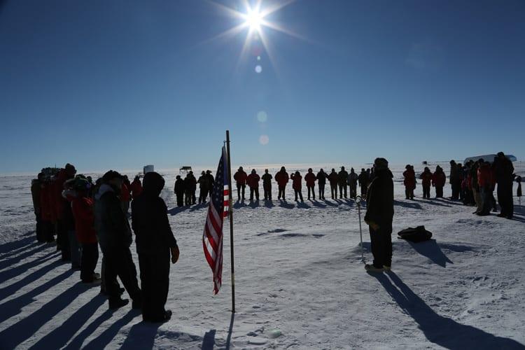 flag_ceremony