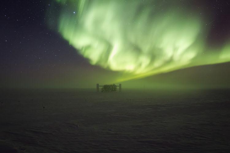 auroraoverICL