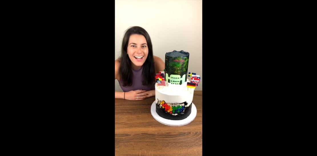 """Thumbnail for video """"The science behind IceCube's anniversary cake"""""""