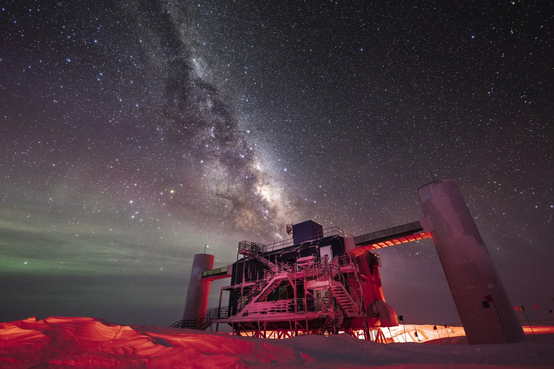 IceCube Lab, with stars and Milky Way overhead.