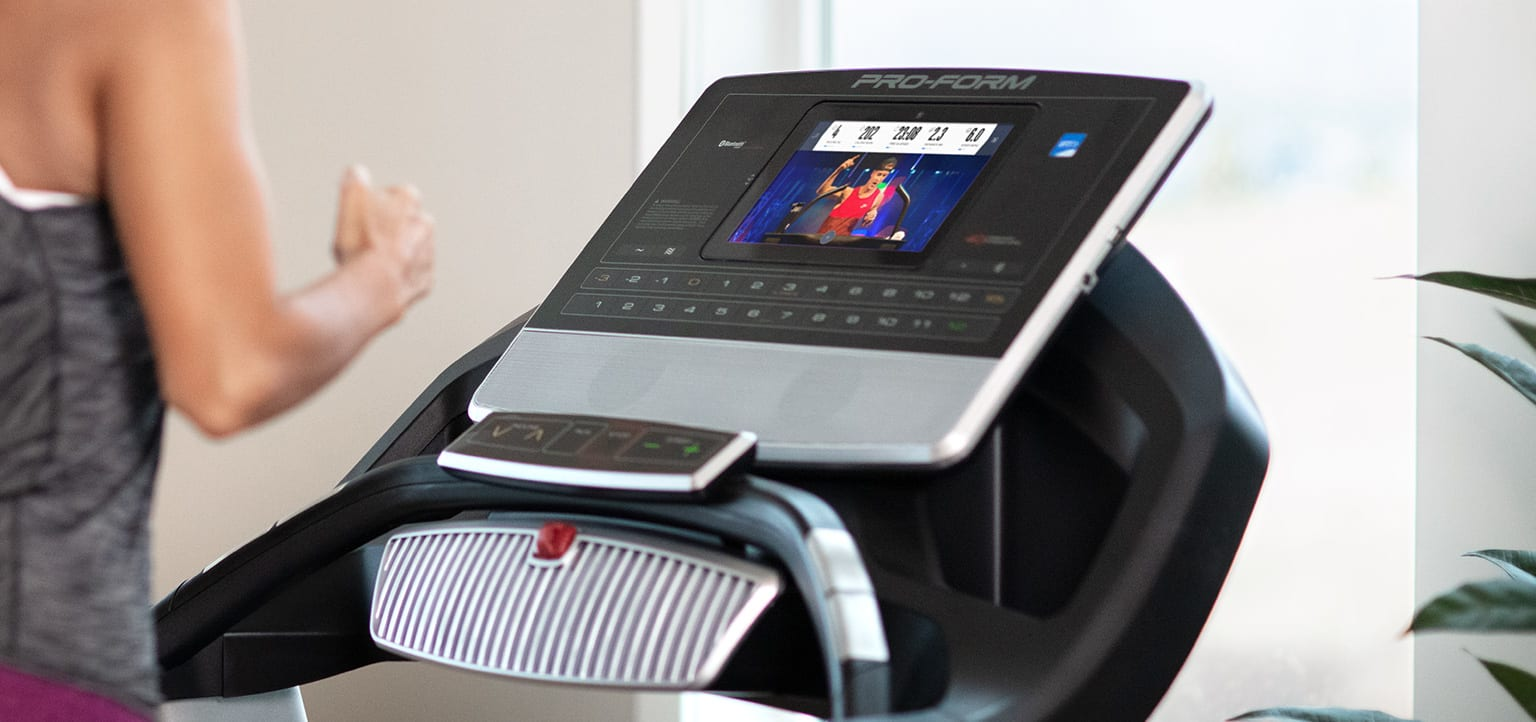 image of the console of the SMART Pro 9000 treadmill
