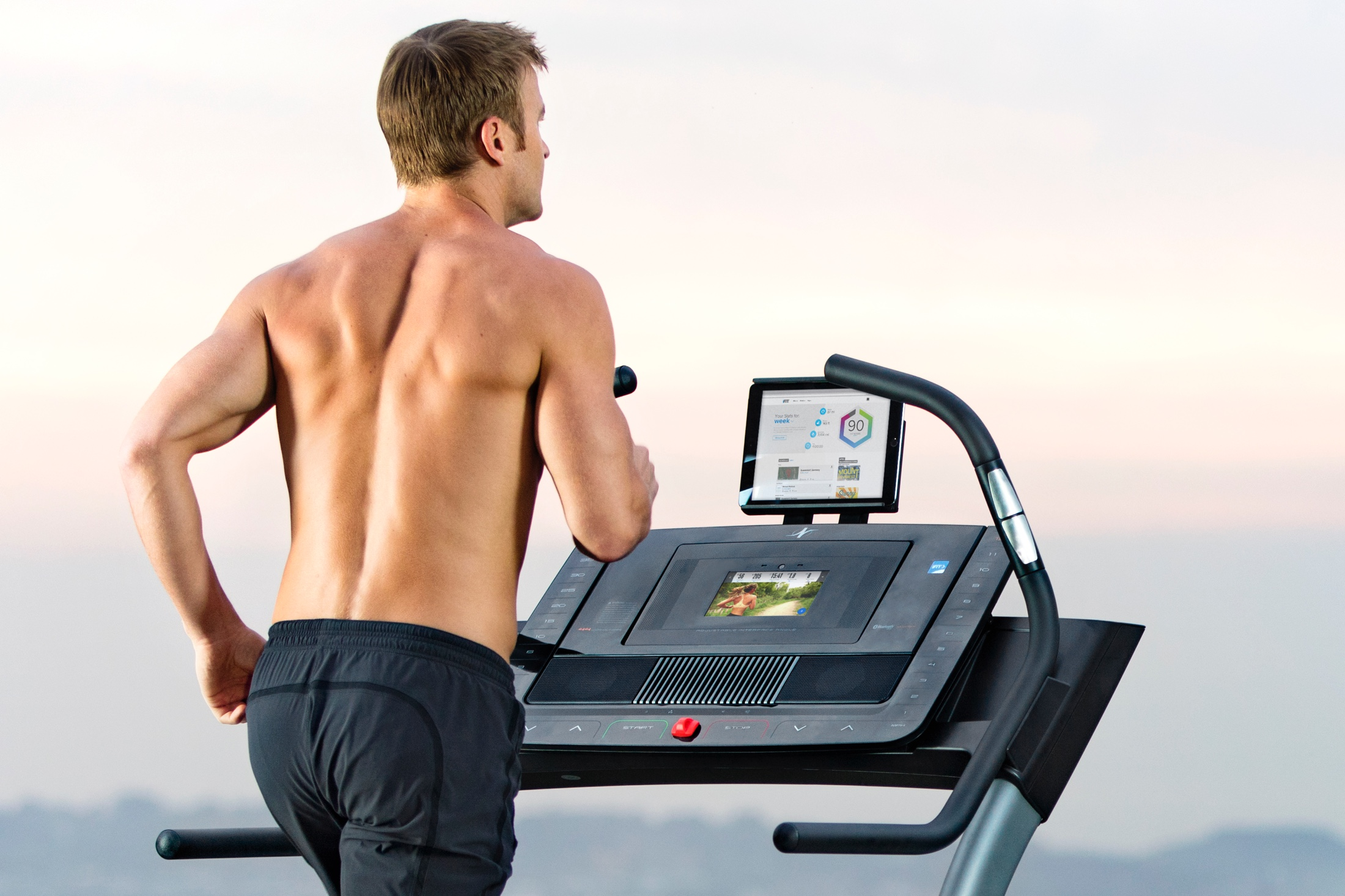 NordicTrack X9i Incline Trainer gallery image 3