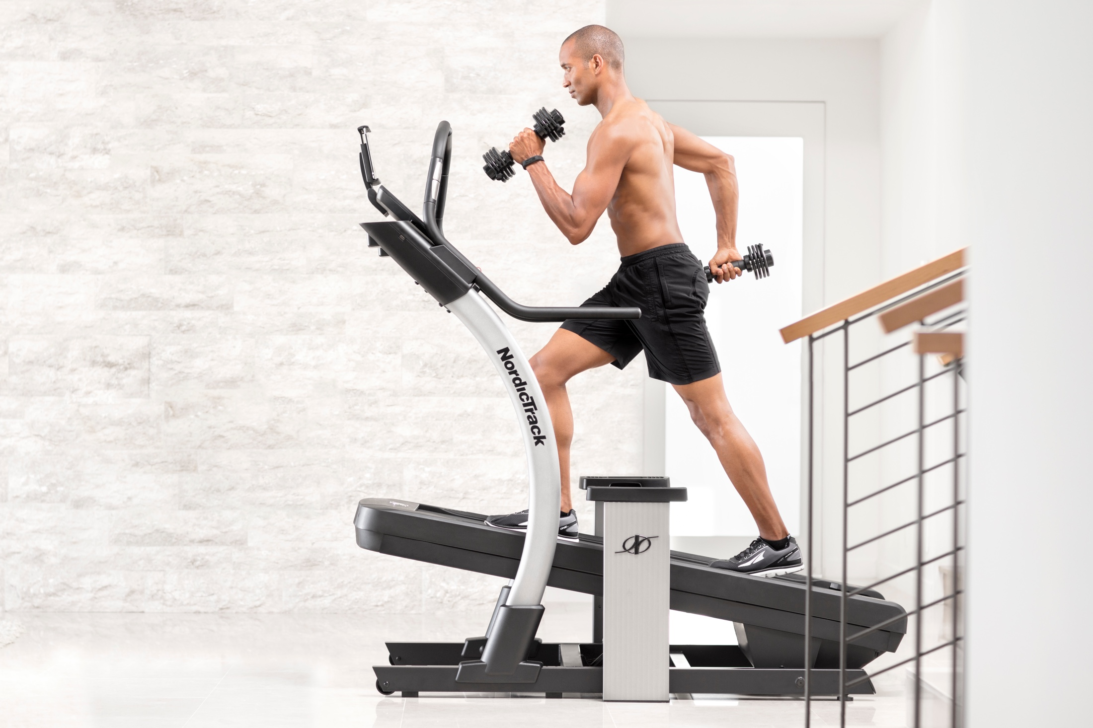 NordicTrack X9i Incline Trainer gallery image 4