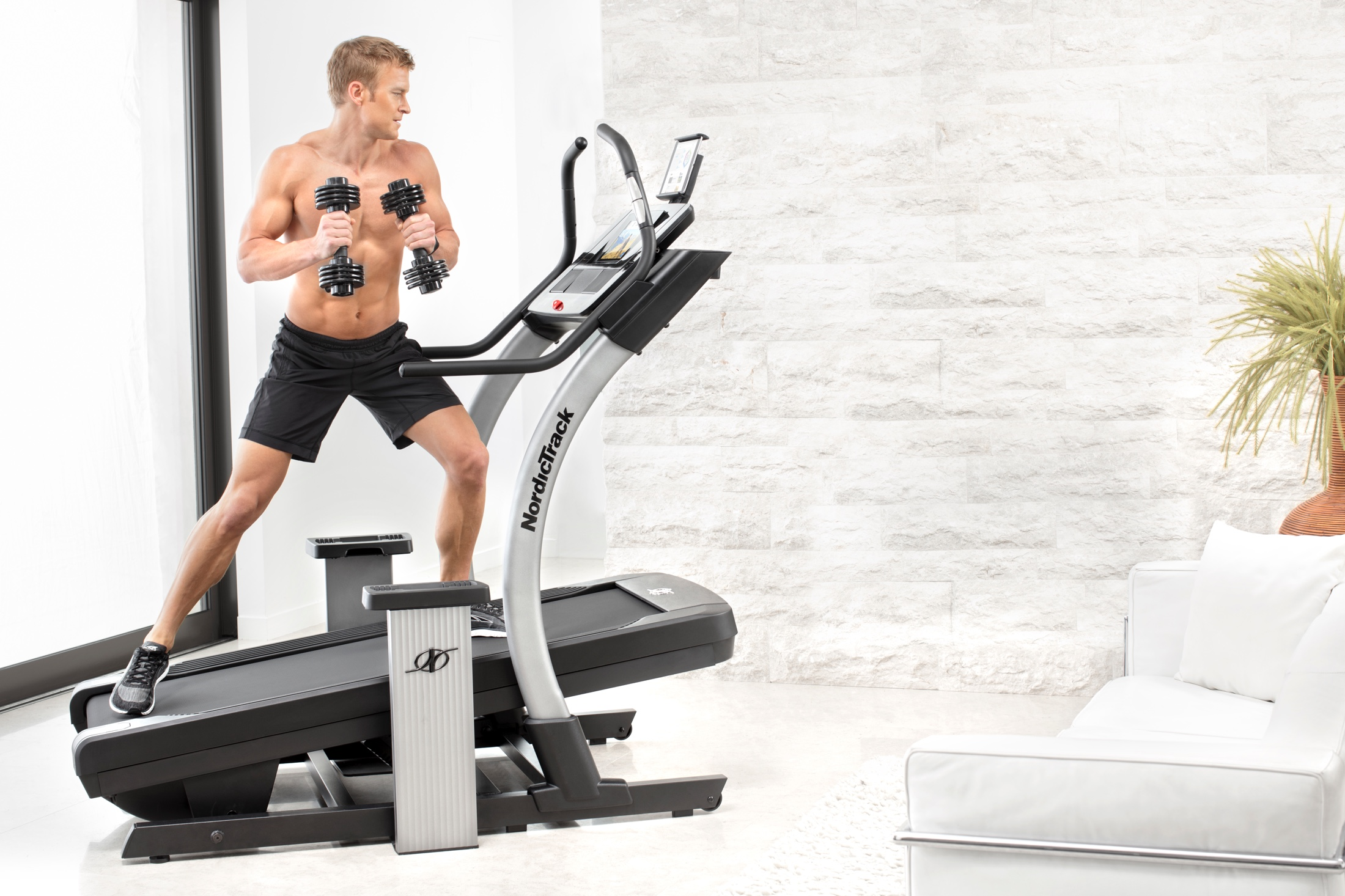 NordicTrack X11i Incline Trainer gallery image 4