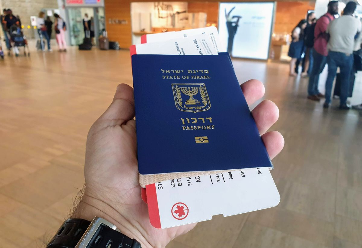 דרכון ישראלים עם ויזה לקנדה