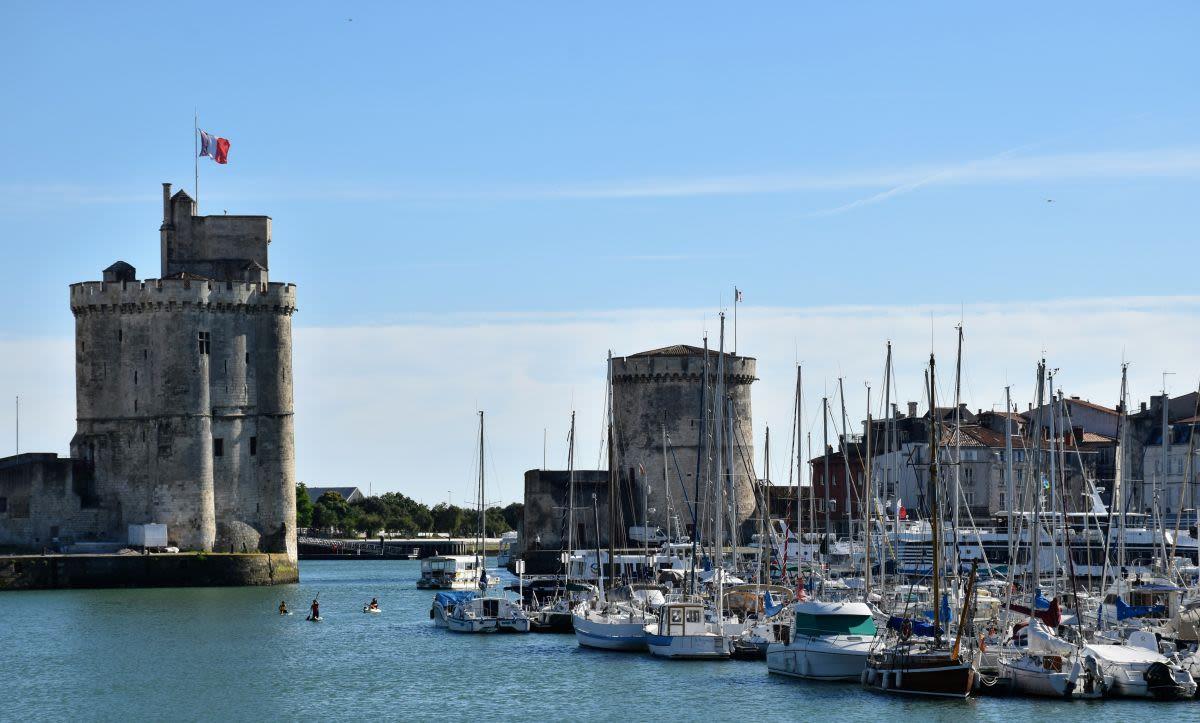 לה רושל, צרפת - נמל העיר על גדות האוקיינוס האטלנטי