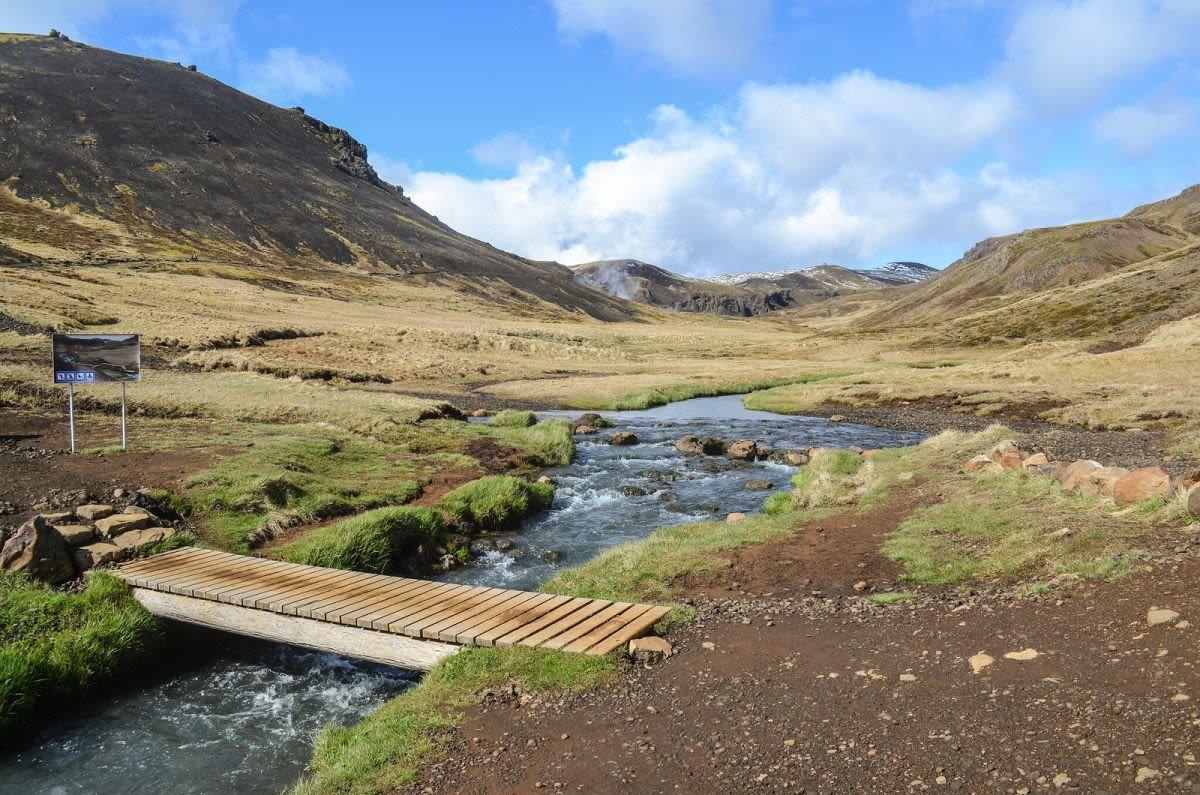 מעיינות חמים טבעים באיסלנד