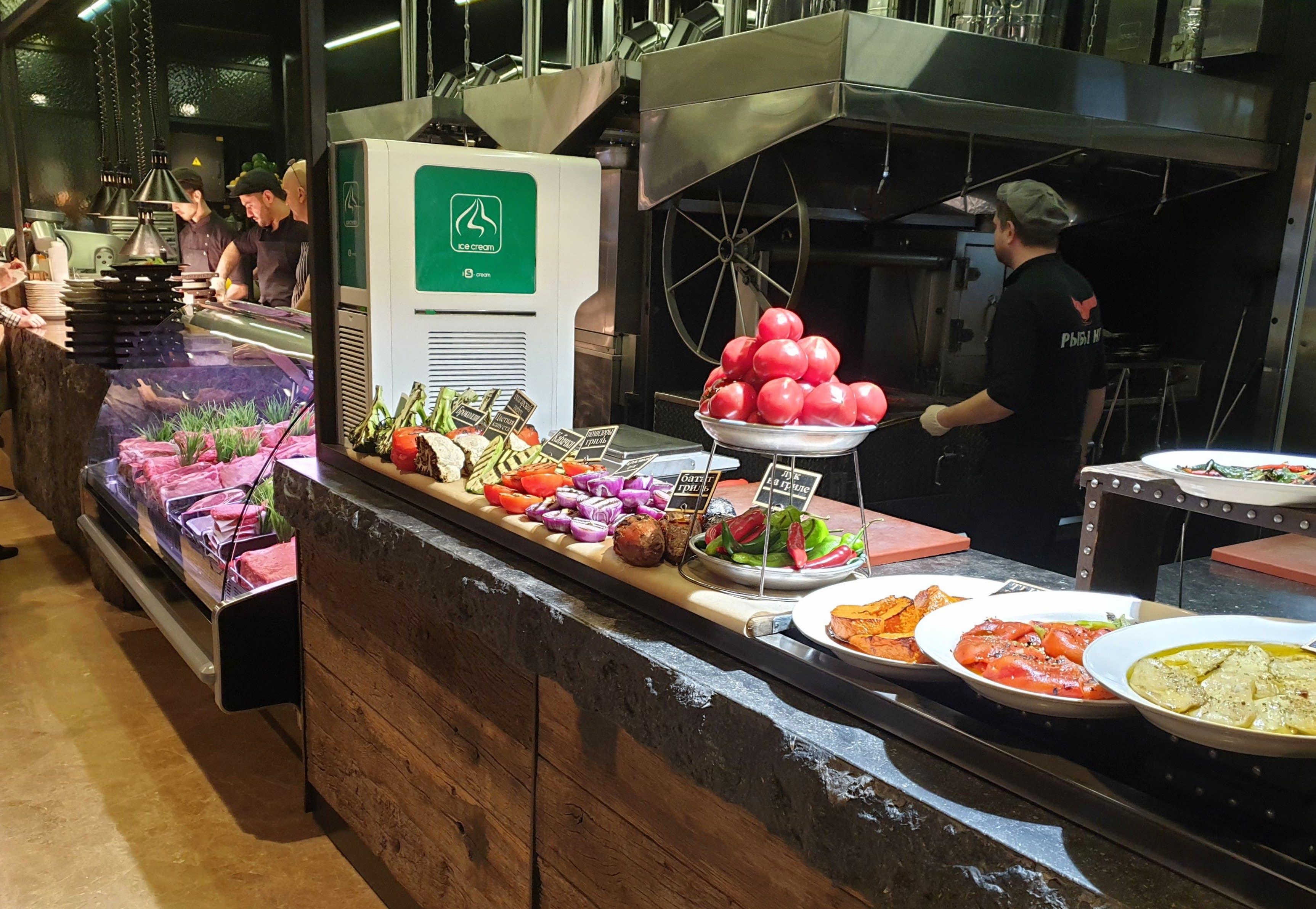 """מטבח מסעדת """"ריבי נט"""", מוסקבה, רוסיה"""