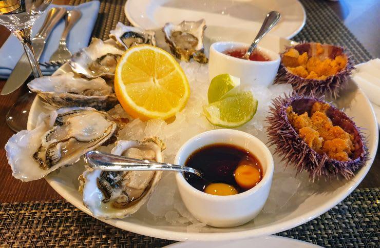 אוייסטרים וקיפודי ים במסעדת ארווין המומלצת במוסקבה