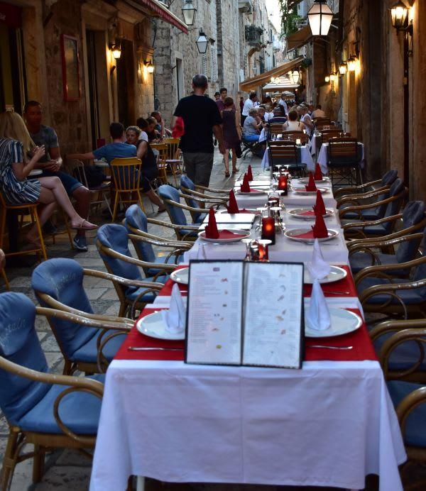מסעדה בעיר העתיקה דוברובניק