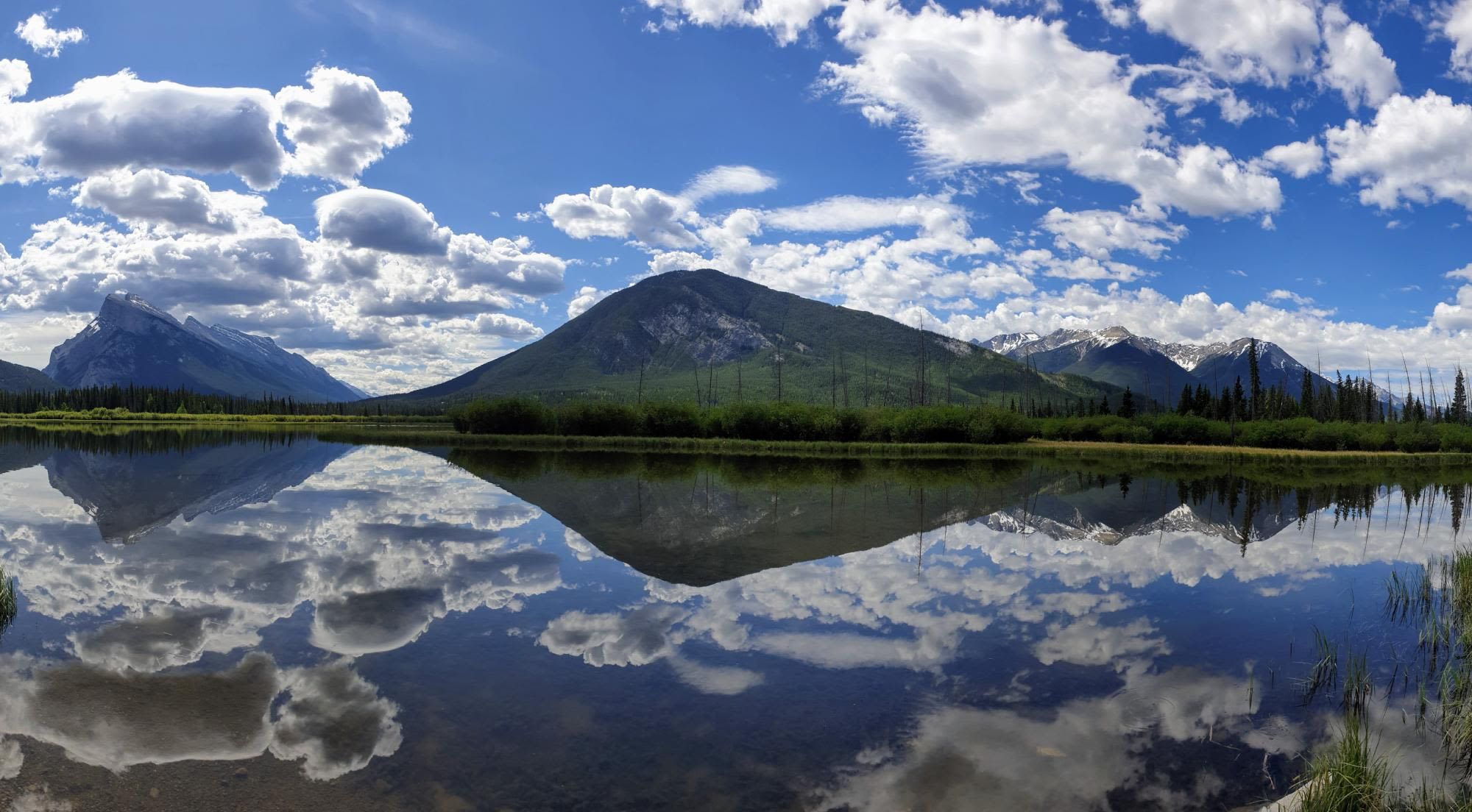 הרי הרוקי הקנדיים והפארק לאומי באנף, אלברטה, קנדה