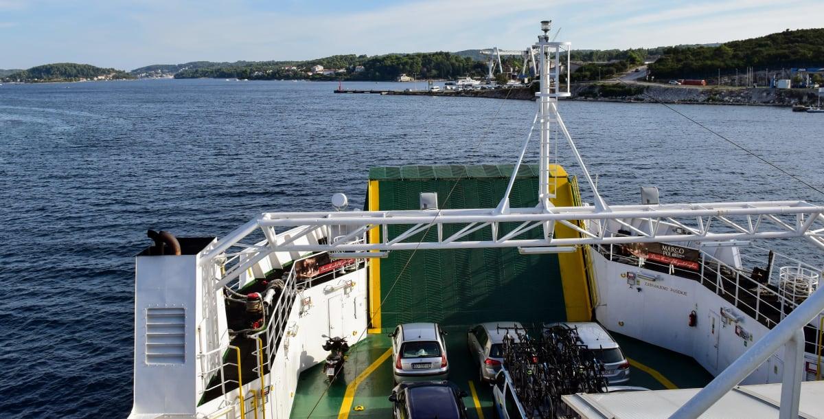 קרואטיה – הפלגה בין האיים עם רכב