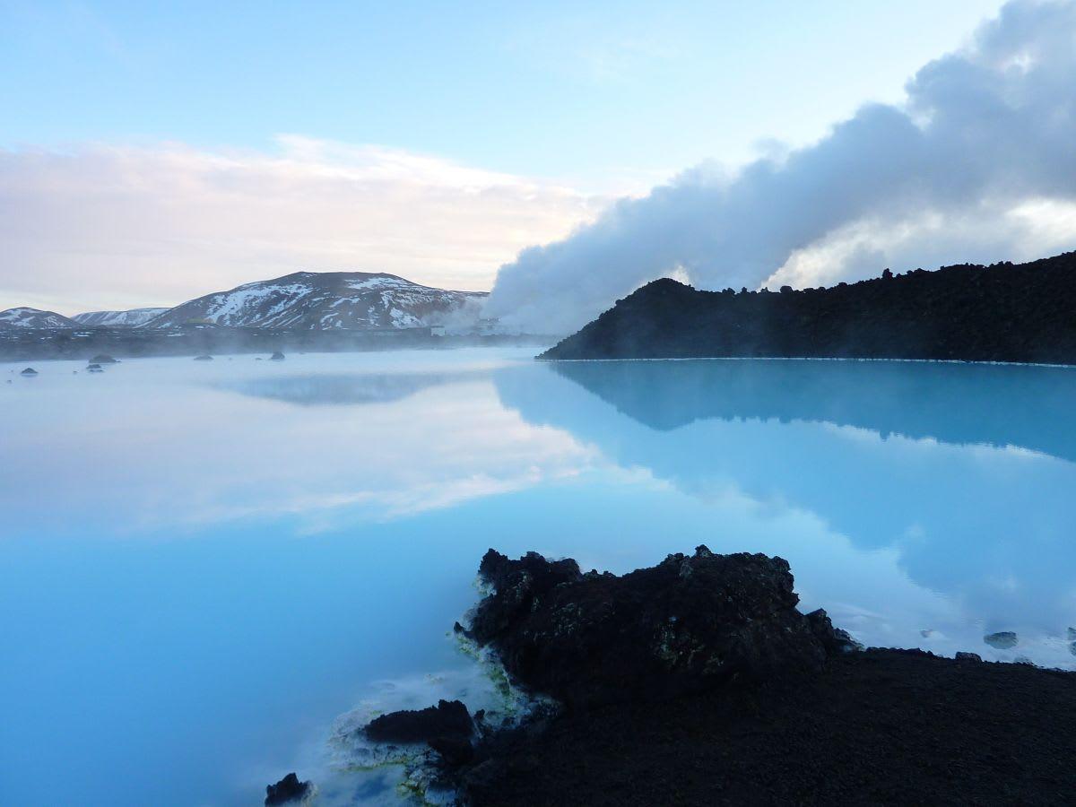 הלגונה הכחולה (בלו לגון) באיסלנד