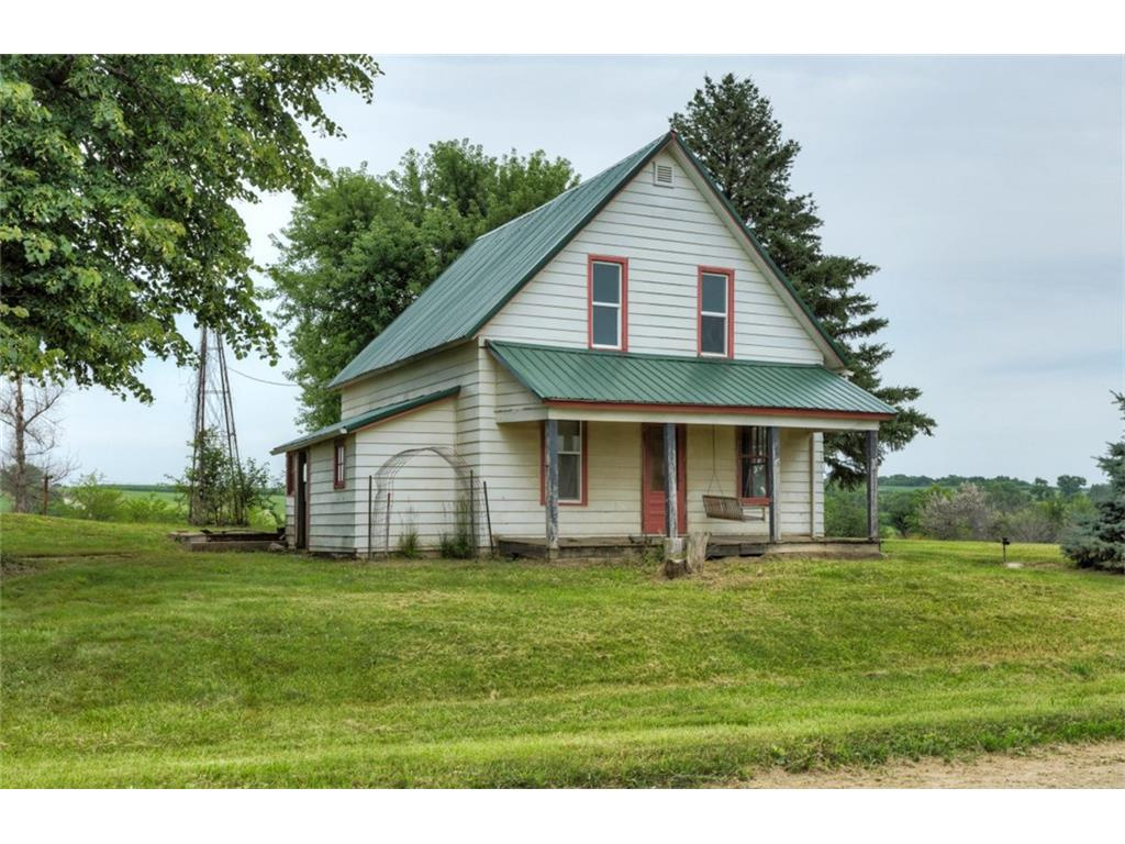 21977 Roosevelt Street Central Acreages - RE/MAX Innovations Real Estate